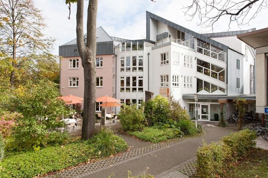 helfen-hilft-foerderverein-fuer-krebskranke-kinder-freiburg-das-elternhaus-1